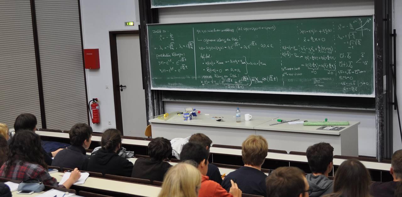 """36 Teilnehmer haben 2017 am vierwöchigen Programm """"Sommerschule Physik für  Studieneinsteiger"""" teilgenommen. ("""